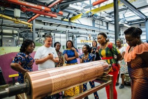 wpid-Vlisco-ambassador-at-the-Vlisco-factory-in-Helmond